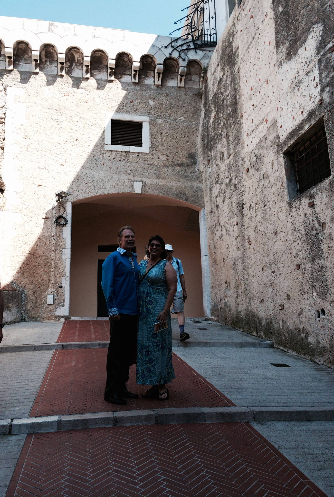 Tom and Nancy at the Princes' castle in Monnaco