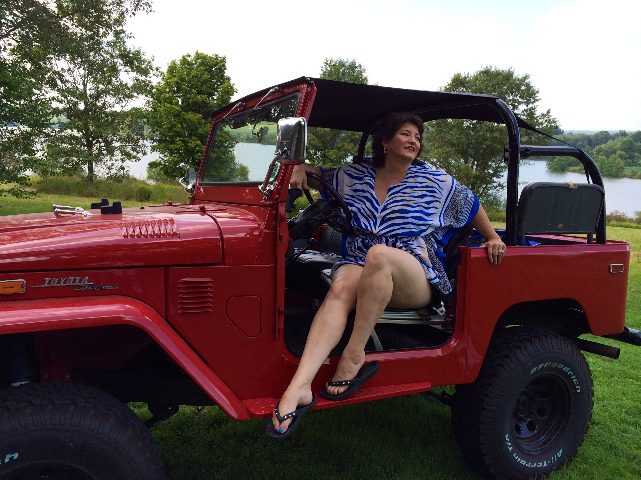 Nancy with our vintage FJ40